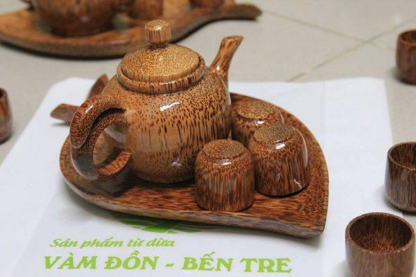 Bộ ấm trà bằng gỗ dừa
