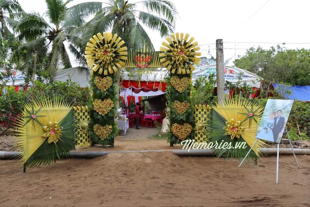 Memories Coco Products - Handmade Gift shop - Decorative Arts & Craft Ideas Shop chuyên kinh doanh quà tặng trang trí handmade bằng gỗ dừa, decor design, thiết kế nội thất đẹp, bình trà bằng gỗ dừa, thủ công mỹ nghệ, cổng cưới lá dừa miền tây, Decorative Arts & Craft Ideas,