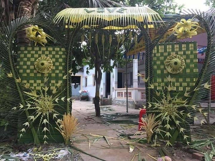 20431191 2077342012292139 7959681681438764061 n Đẹp mê hồn những cổng nhà bằng lá dừa độc đáo ở miền Tây