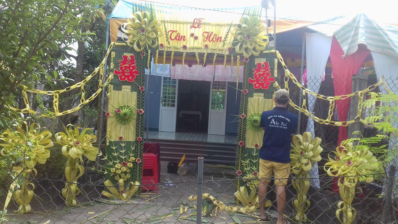"""23509037 2224519034241102 4956744707637569843 o Cổng cưới lá dừa Miền Tây """"mộc nhưng chất"""", hoành tráng không kém cổng hoa giả của đám cưới Việt"""