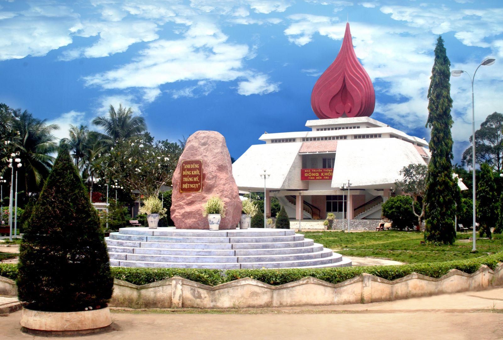 Làng du kích Đồng Khởi địa điểm du lịch đẹp (Ảnh: ST)