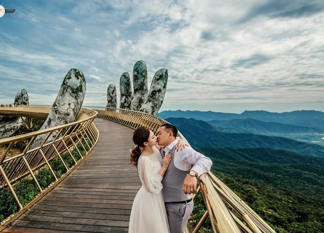Nhiều cặp đôi cũng tin tưởng chọn nơi đây làm địa điểm chụp ảnh cưới (Ảnh: Rin Wedding)
