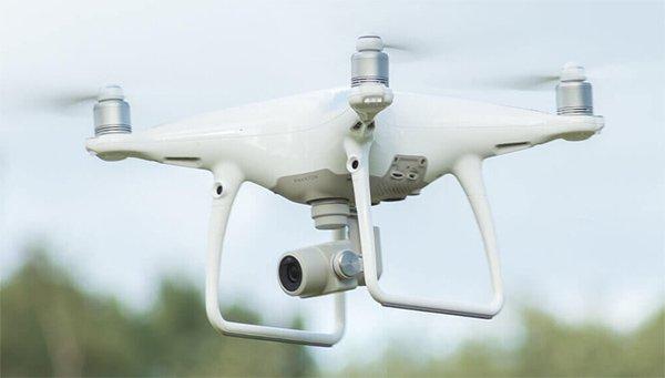 Phantom 4 Pro phát hiện chướng ngại vật ở khoảng cách 30m phía trước, Chế độ bay thông minh Draw
