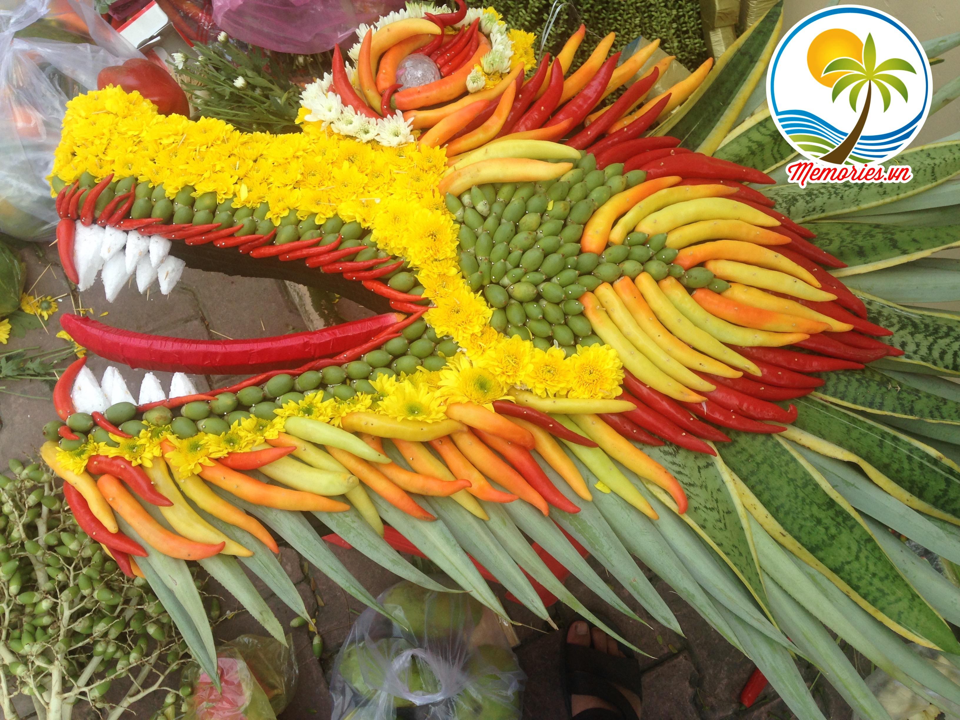 Cổng rồng phụng bằng lá dừa