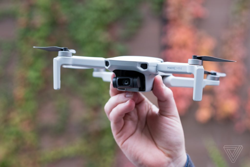 dji mavic mini drone 1465 1024x683 1 Mavic Mini là drone đầu tiên của DJI không cần đăng ký FAA, cực nhỏ, chỉ 249g, giá từ $399