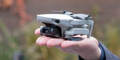 Mavic Mini là drone đầu tiên của DJI không cần đăng ký FAA, cực nhỏ, chỉ 249g, giá từ $399