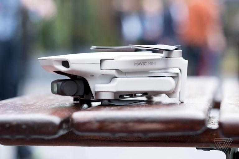 dji mavic mini drone 1488 768x512 1 Mavic Mini là drone đầu tiên của DJI không cần đăng ký FAA, cực nhỏ, chỉ 249g, giá từ $399