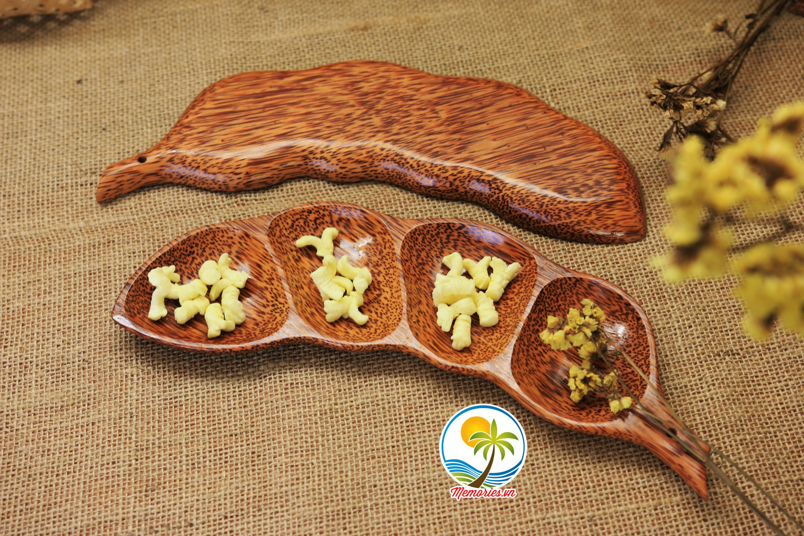 Đĩa Hình Trái Đậu / Trái Me Bằng Gỗ Dừa - Quà tặng trang trí handmade - Memories.vn Craft Decor Arts